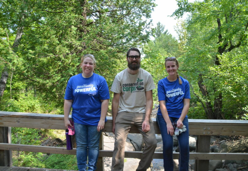 Duluth event engages 60 volunteers to tackle Japanese Knotweed and other invasive species in Fairmount Park